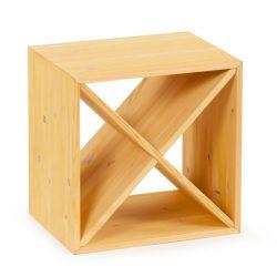 Cube vinhylde i fyrretræ, i farven lys Eg, plads til 12 flasker fra Gastro De Luxe