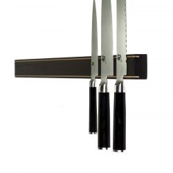 Knivskinne i røget eg, med messingskinner på fronten fra Rune-Jakobsen Design. Flere størrelser